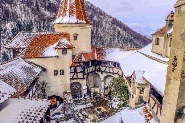 зимний замок Дракулы