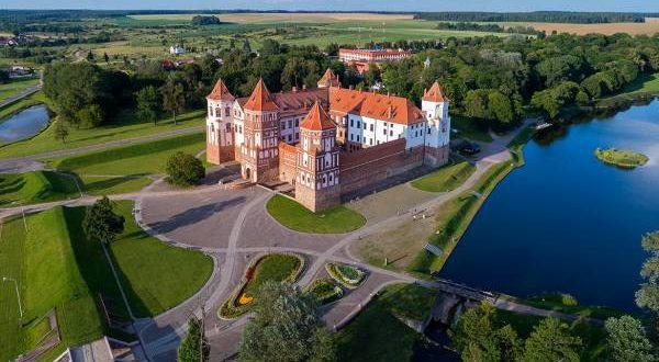 Мирский замок в Беларуси где находится