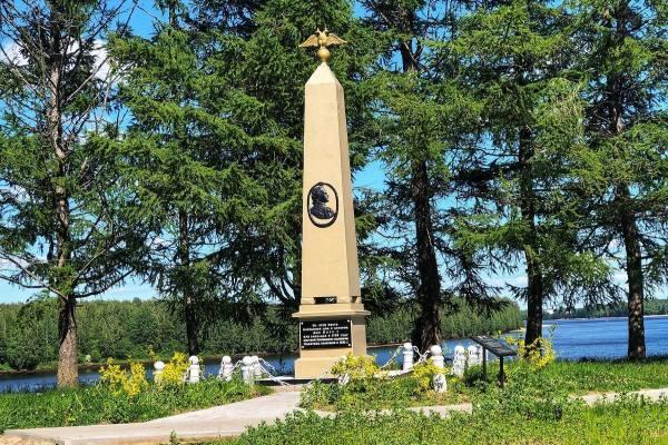 лодейное поле обелиск Петру 1