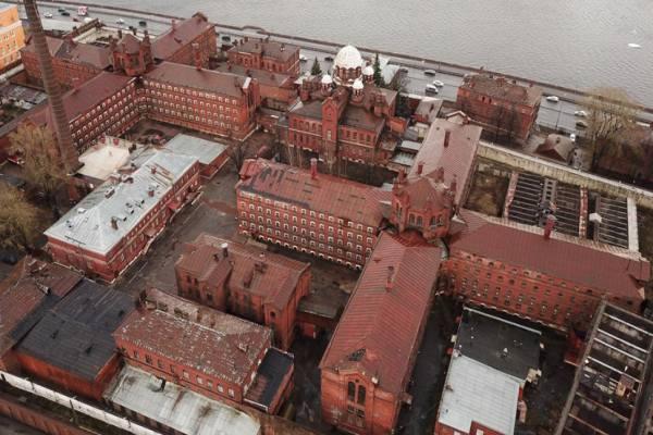 Тюрьма Кресты Петербурга находится